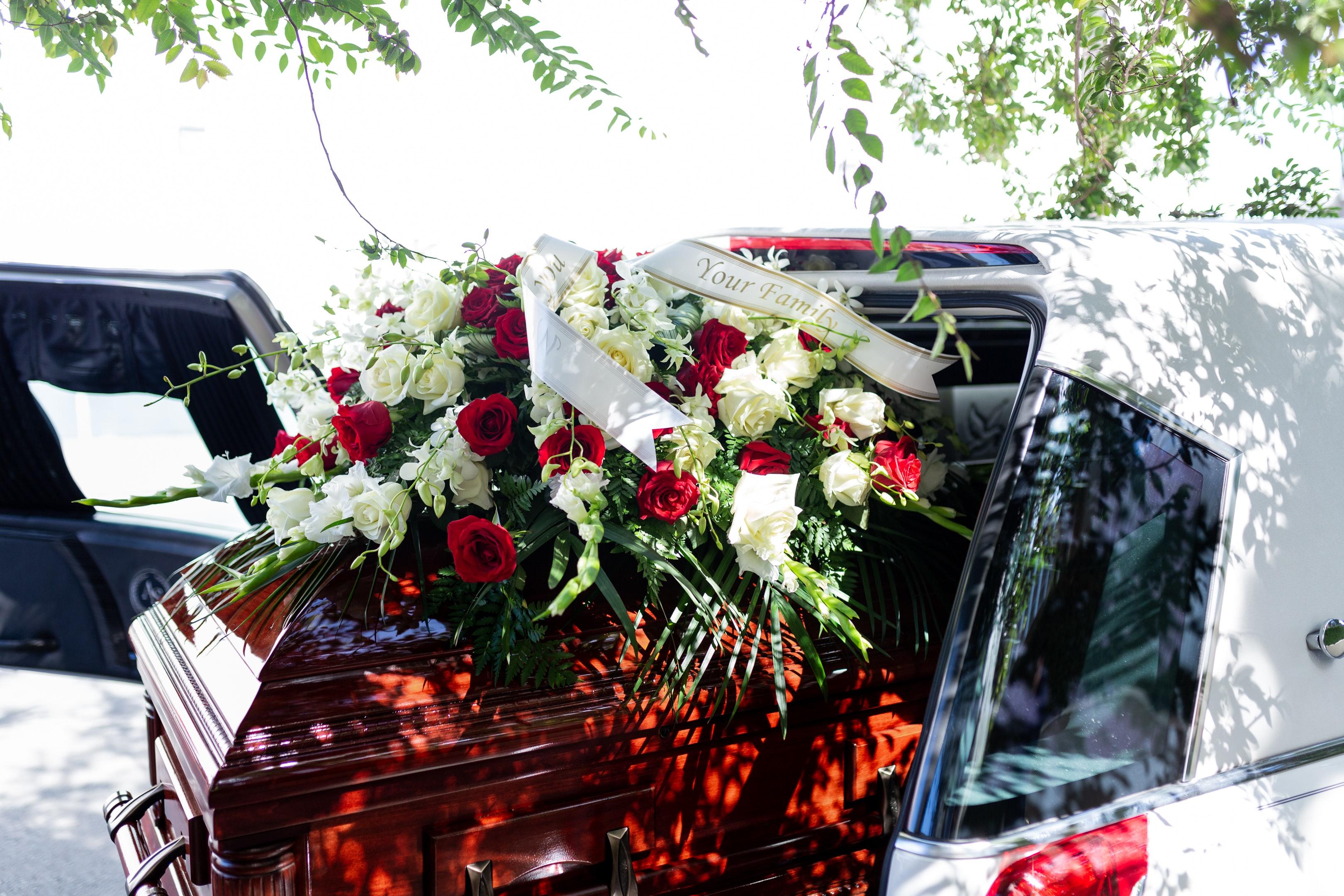 Beneficiaza de servicii funerare ieftine