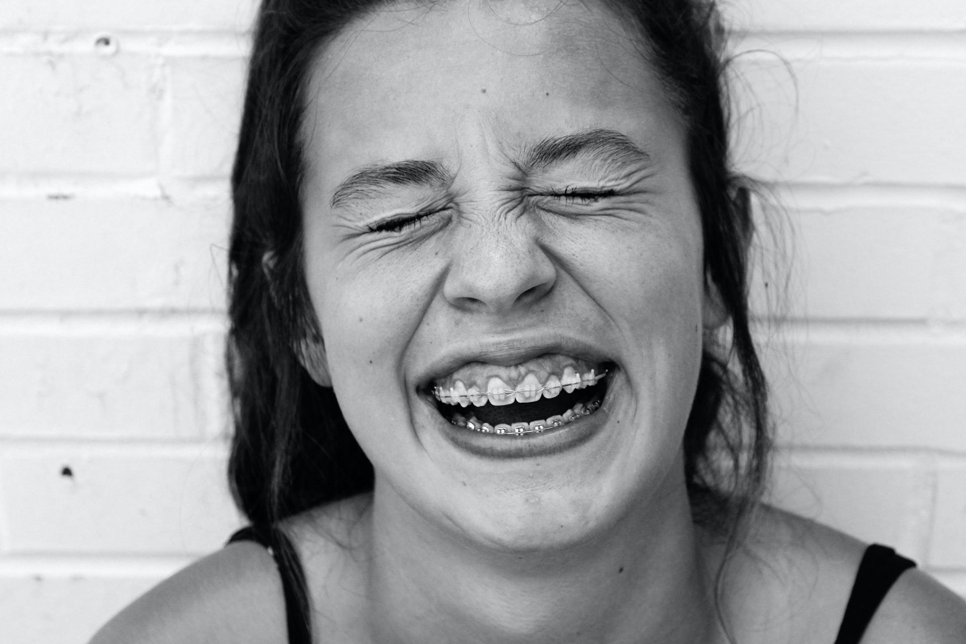 Care este cel mai potrivit aparat dentar pentru tine