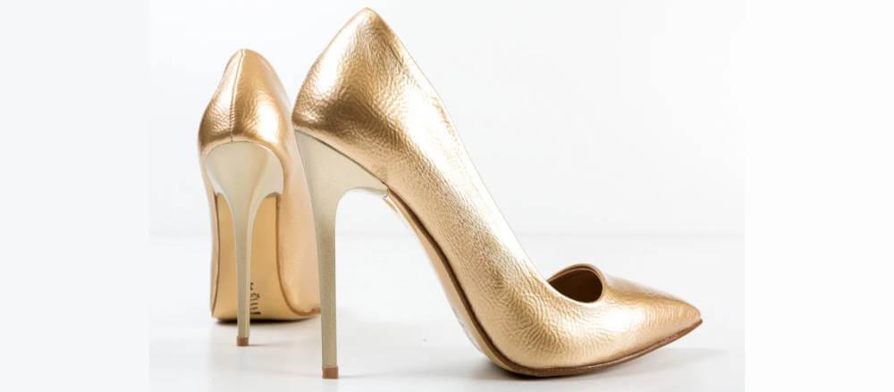 Sute de pantofi stiletto